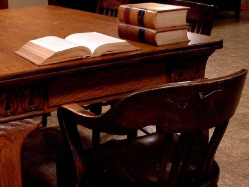 Cadeira e mesa de estudo